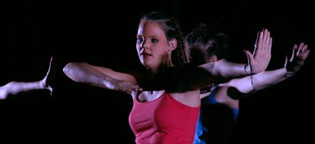 dancing-1240576